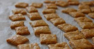 Recept na psí vegetariánské křupavé tyčky se sýrem
